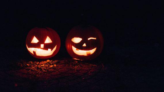 Fall Bucket List - Carve Pumpkins
