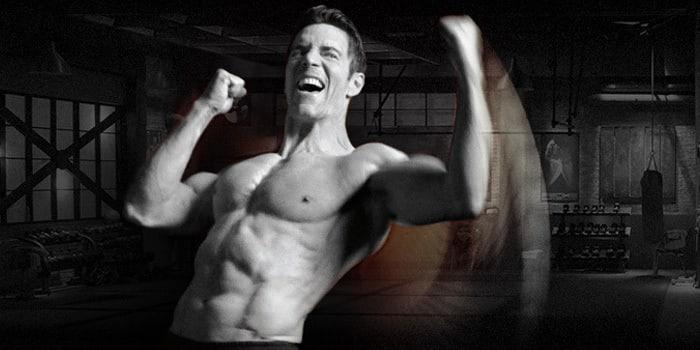 p90x3 tony horton flexing his biceps
