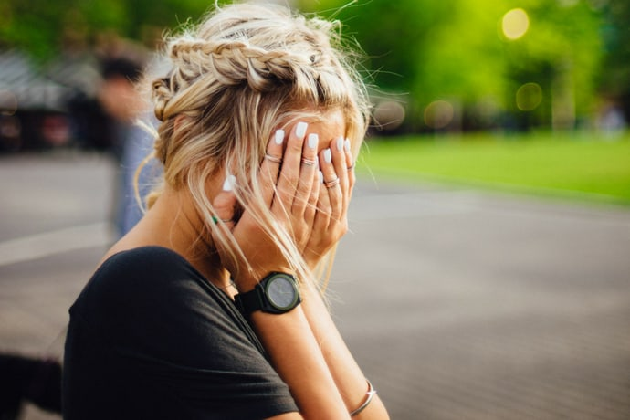 3 Tips to Stop Being a People Pleaser & That Helps Others