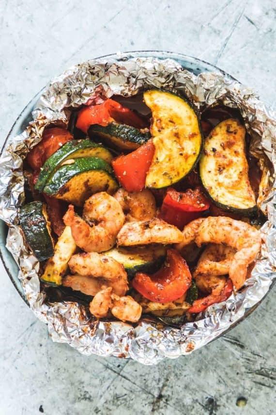 healthy dinner recipe shrimp foil pack