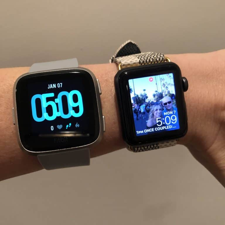 FitBit Versa vs Apple Watch: Which One Is the Best?