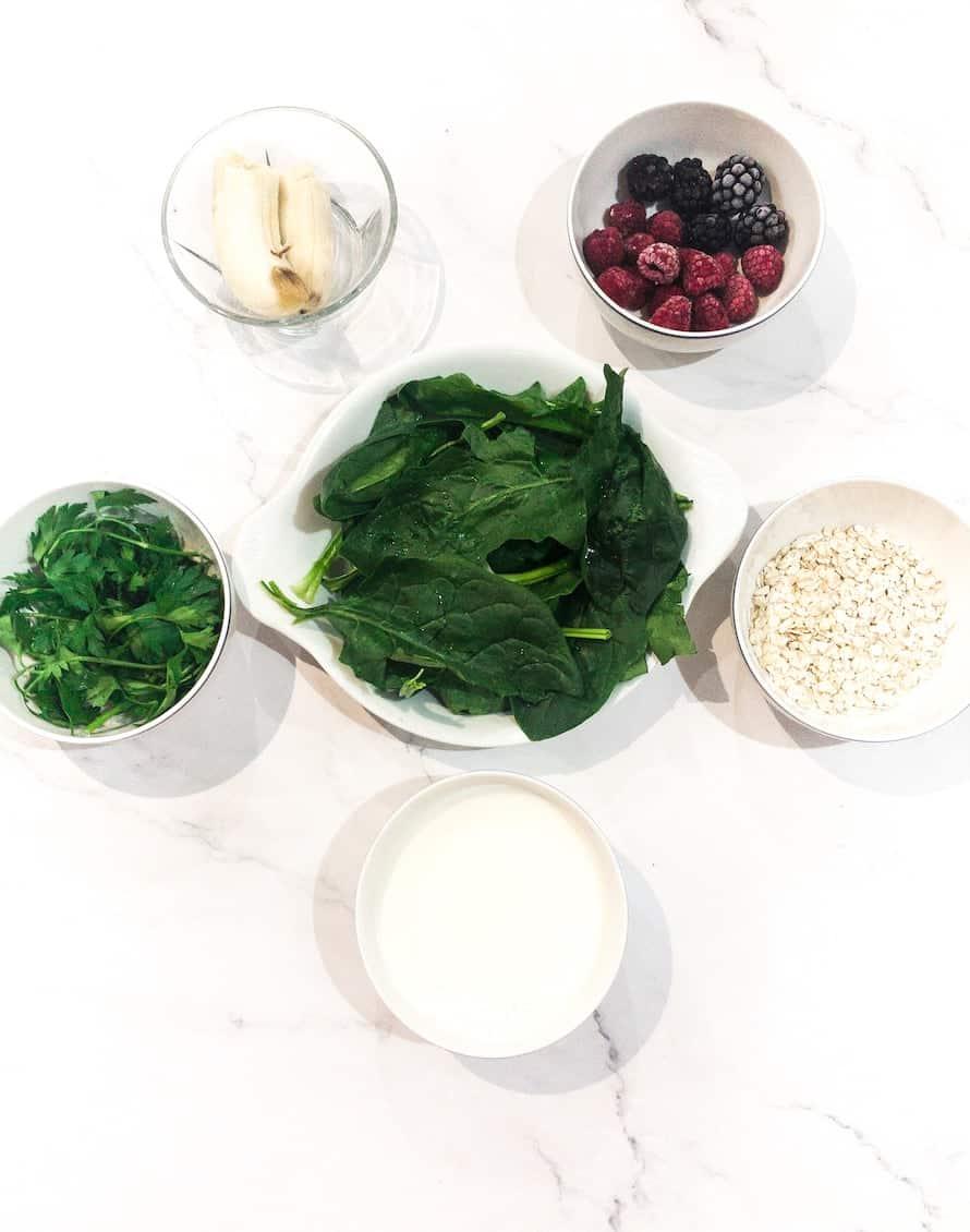 Spinach milk smoothie ingredients