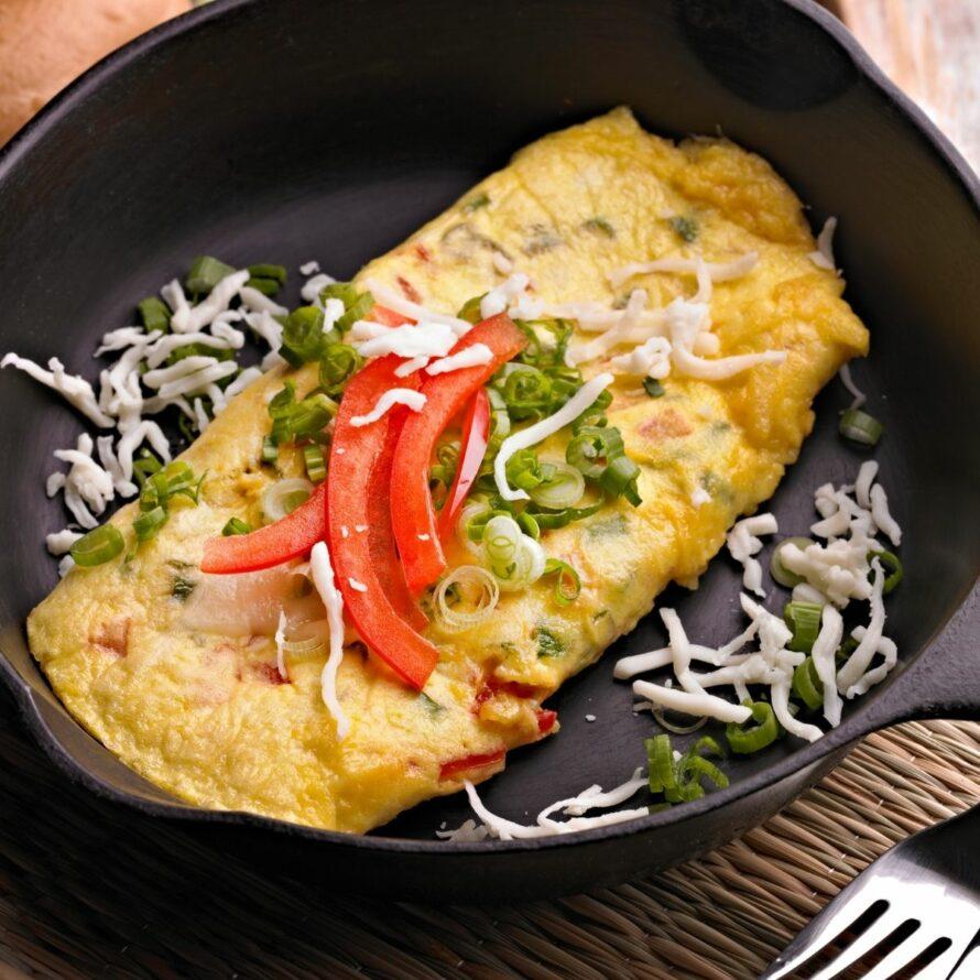 low fodmap breakfast is an omelette with veggies